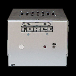 600-HD *** Amps now have a shorter design to fit nicely under seats*** - Product Image
